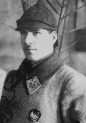 Un joven Zhukov con el uniforme de caballería del Ejército Rojo en la Guerra Civil Rusa.