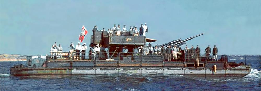 Transbordador Siebel con un cañón de 88 milímetros en el Mar Negro.