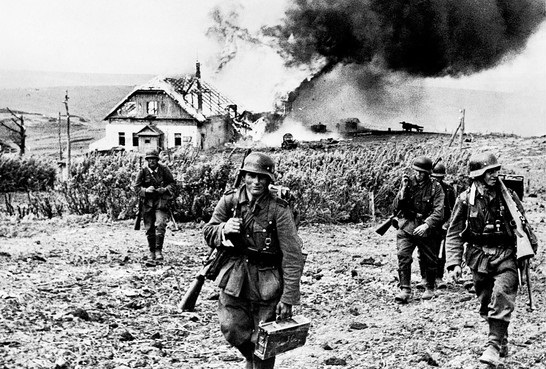 Infantería alemana en la Segunda Batalla de Kharkov.