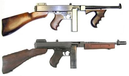 Subfusiles Thompson. Arriba: Modelo M1921. Abajo: Modelo M1.